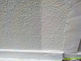 門塀 中塗りから上塗りへ