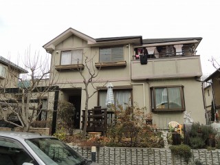 屋根: 遮熱塗装仕上 外壁: シリ コ ン塗装仕